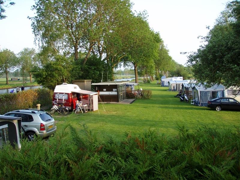 camping_onder_de_heerenbrug_giethoorn_04